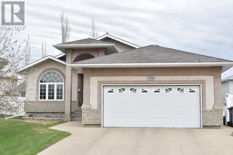House for sale at 234 Hutchison Pl N Regina Saskatchewan - MLS: SK768422