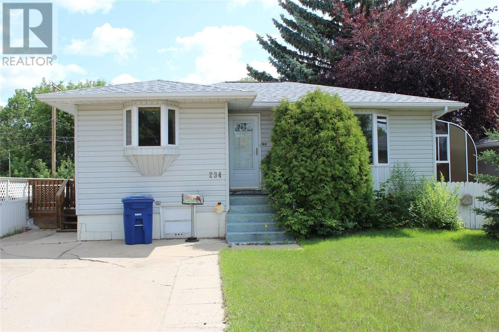 House for sale at 234 Montreal Ave N Saskatoon Saskatchewan - MLS: SK783019