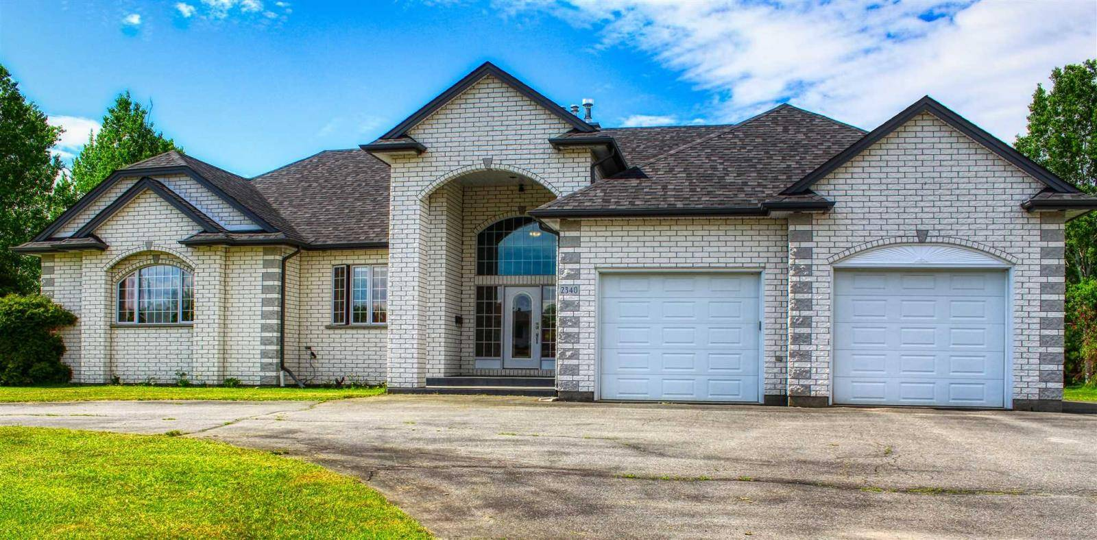 House for sale at 2340 Quail Dr Thunder Bay Ontario - MLS: TB191857
