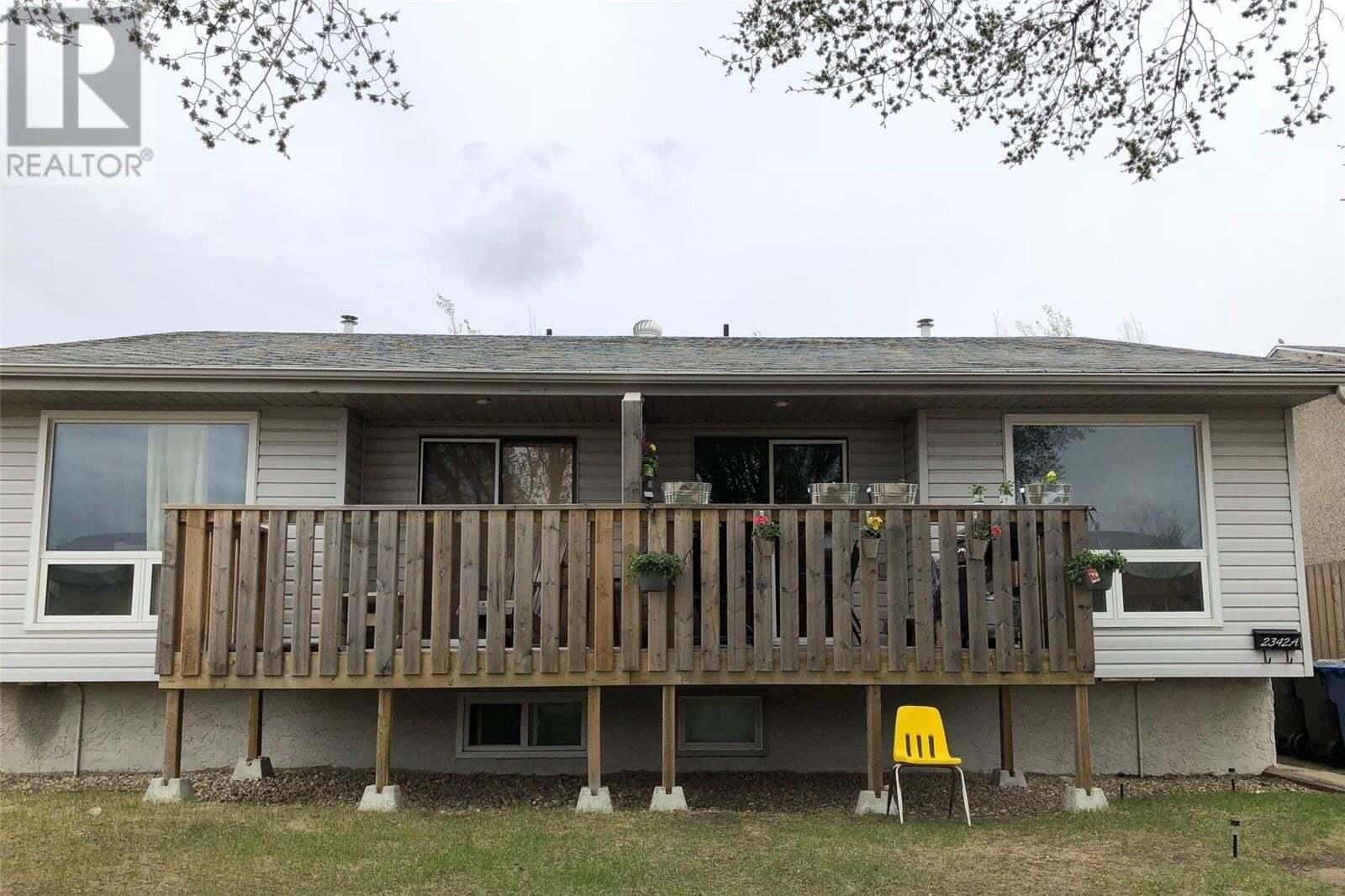 Townhouse for sale at 2342 Ross Cres North Battleford Saskatchewan - MLS: SK818557