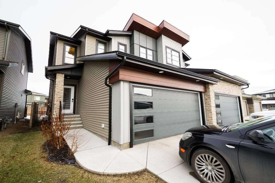 Townhouse for sale at 2342 Ware Cres Nw Edmonton Alberta - MLS: E4187582