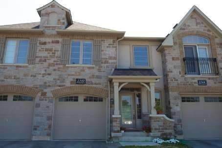 Townhouse for sale at 2342 Whistling Springs Cres Oakville Ontario - MLS: W4516136