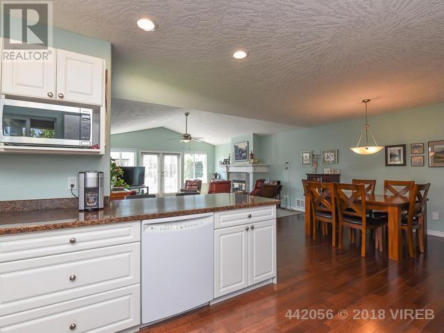 For Sale: 2343 Murrelet Drive, Comox, BC | 2 Bath House for $629,000. See 41 photos!