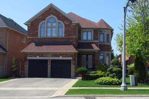 House for sale at 2344 Coronation Dr Oakville Ontario - MLS: W4774100