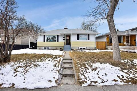 House for sale at 2347 22a St Northwest Calgary Alberta - MLS: C4291131