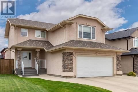 House for sale at 235 Bolton Cres Saskatoon Saskatchewan - MLS: SK775854