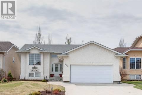 House for sale at 235 Brookhurst Cres Saskatoon Saskatchewan - MLS: SK772492