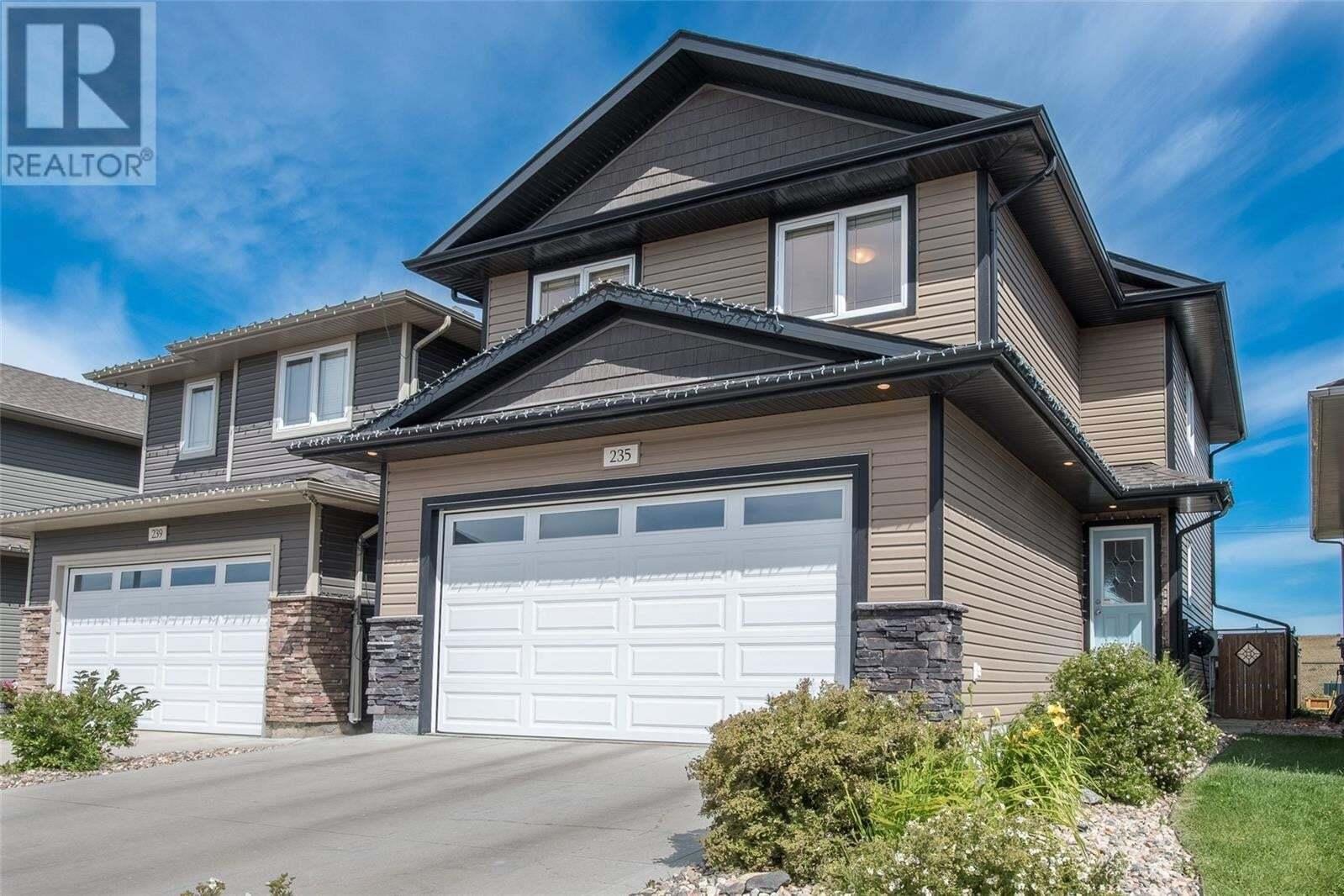 House for sale at 235 Henick Cres Saskatoon Saskatchewan - MLS: SK821498