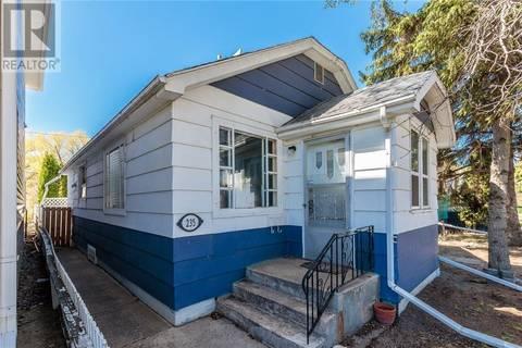 House for sale at 235 L Ave N Saskatoon Saskatchewan - MLS: SK779370