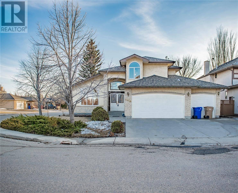 House for sale at 2350 Wascana Grns  Regina Saskatchewan - MLS: SK804095