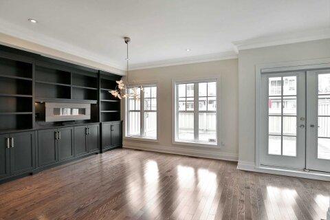 Apartment for rent at 2353 Ontario St Oakville Ontario - MLS: W4971093
