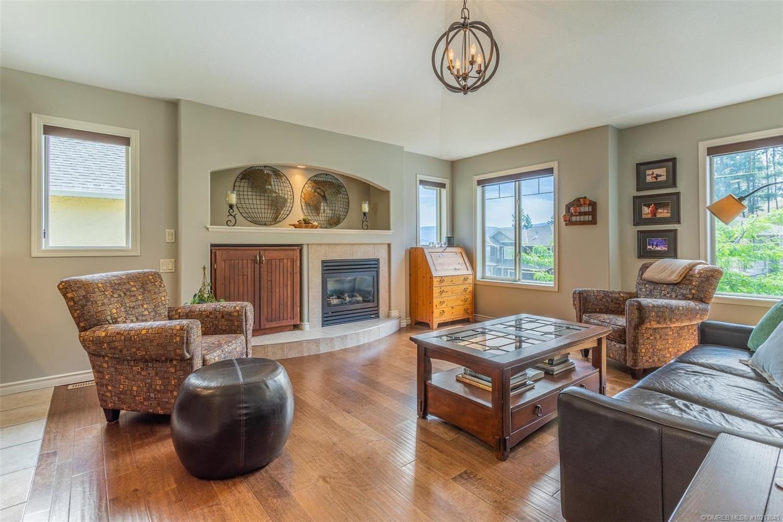 House for sale at 2356 Selkirk Dr Kelowna British Columbia - MLS: 10213845