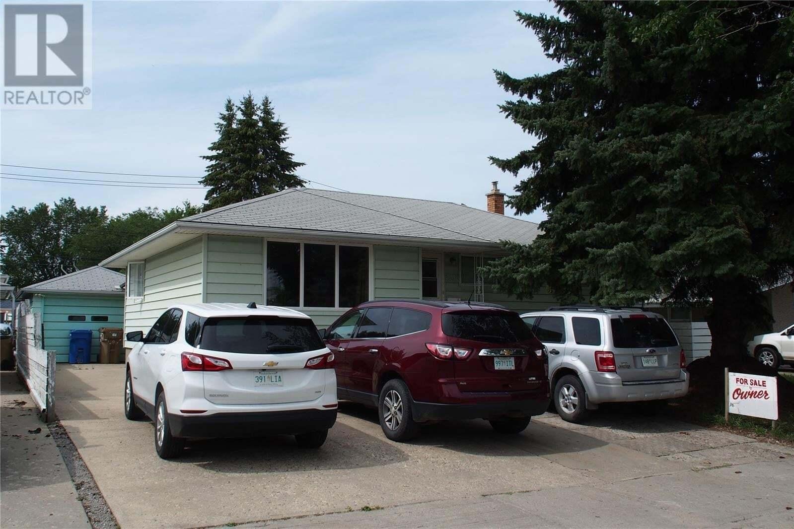 House for sale at 236 Argyle St N Regina Saskatchewan - MLS: SK810265
