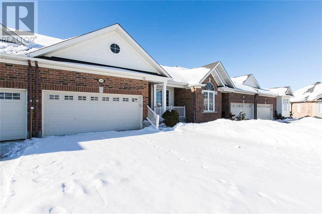 Townhouse for sale at 236 Cairnsmore Circ Ottawa Ontario - MLS: 1181755