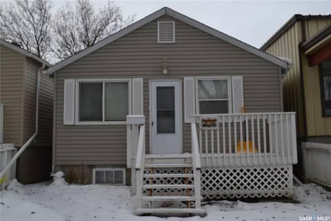 House for sale at 236 Mcintyre St Regina Saskatchewan - MLS: SK788296