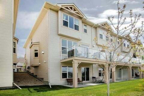 Townhouse for sale at 236 Sunset Point(e) Cochrane Alberta - MLS: C4294997