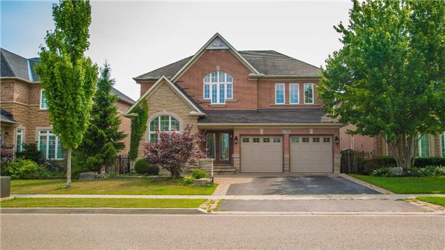 For Sale: 2364 Parkglen Avenue, Oakville, ON | 4 Bed, 5 Bath House for $1,649,800. See 15 photos!