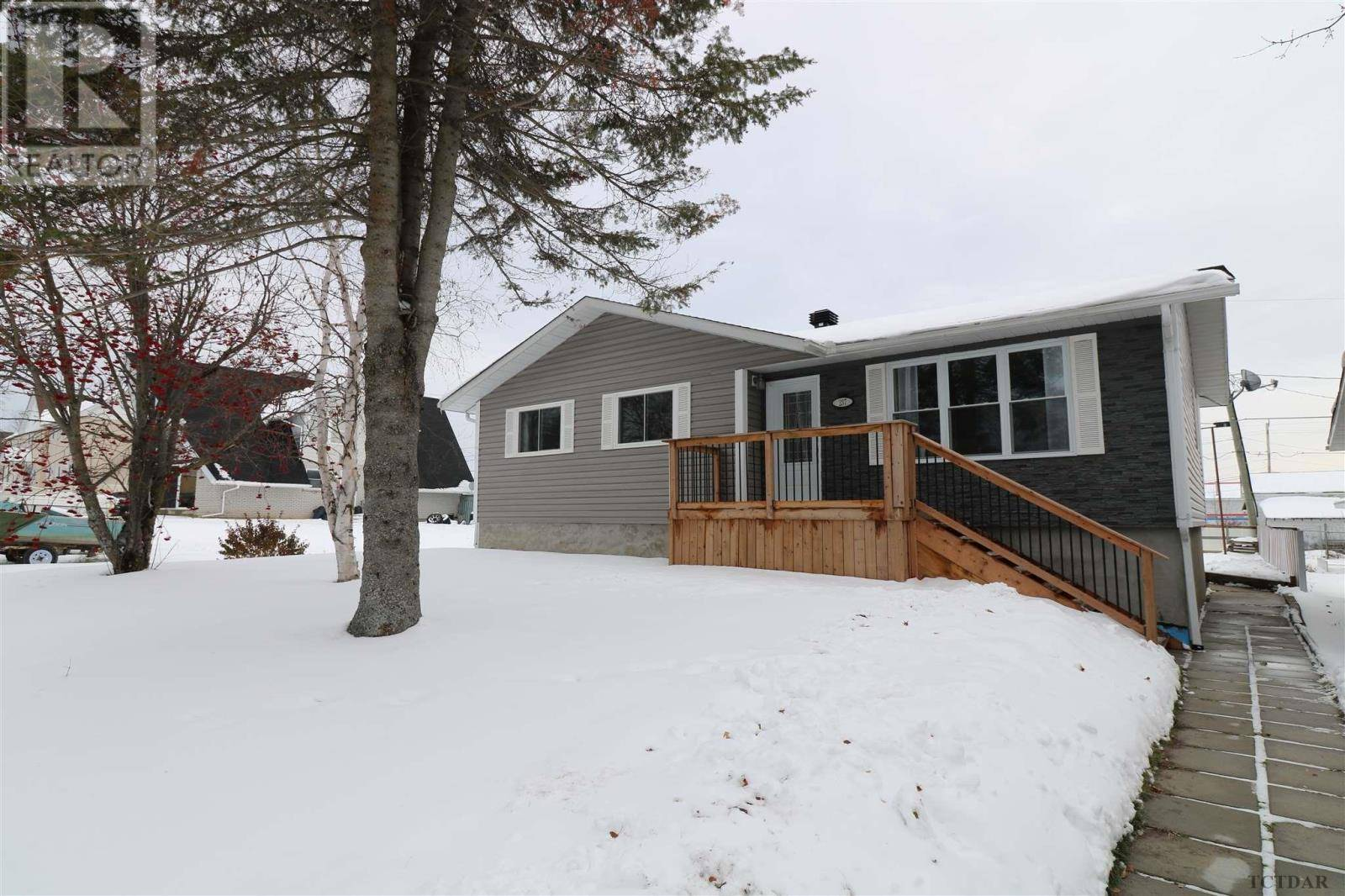 House for sale at 237 Devonshire Ave Iroquois Falls Ontario - MLS: TM192629
