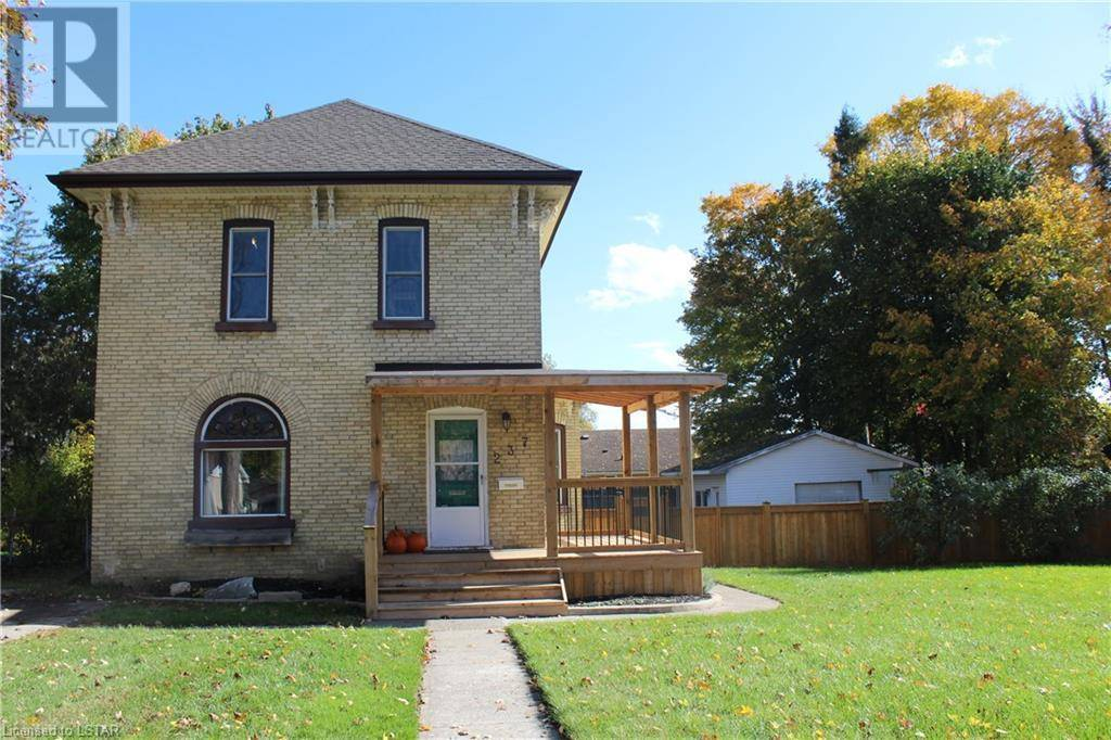 House for sale at 237 Rapley St Strathroy Ontario - MLS: 229141