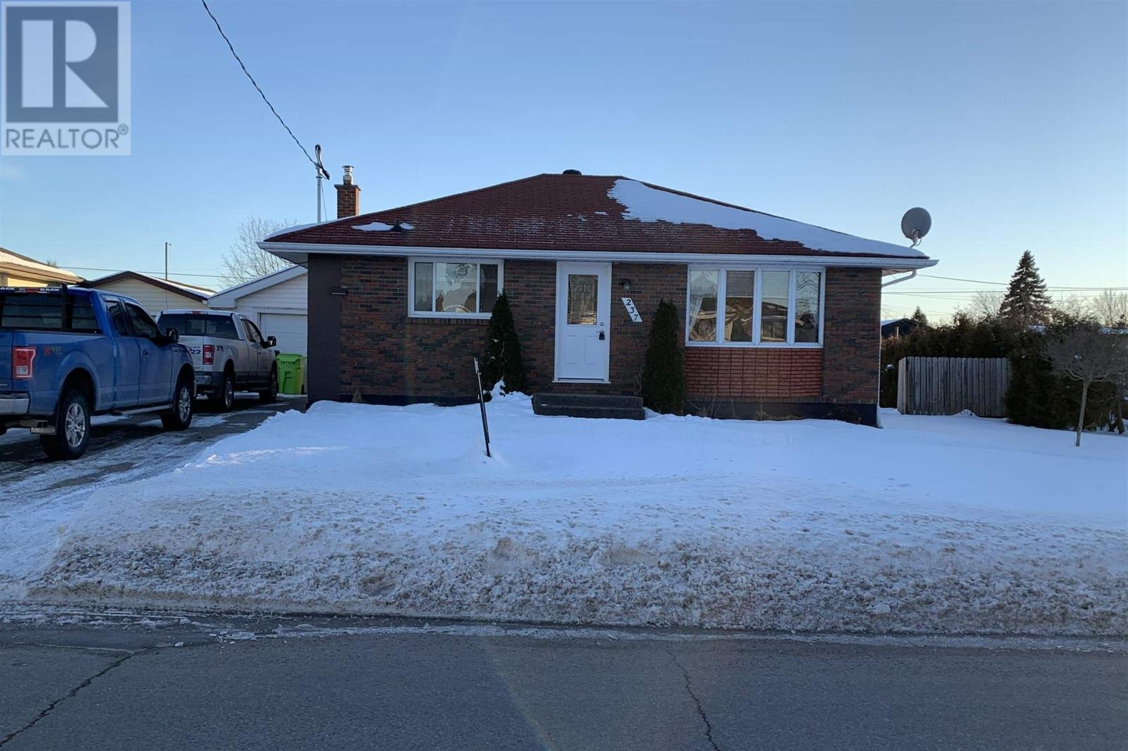 House for sale at 237 Rossmore Rd Sault Ste. Marie Ontario - MLS: SM130352