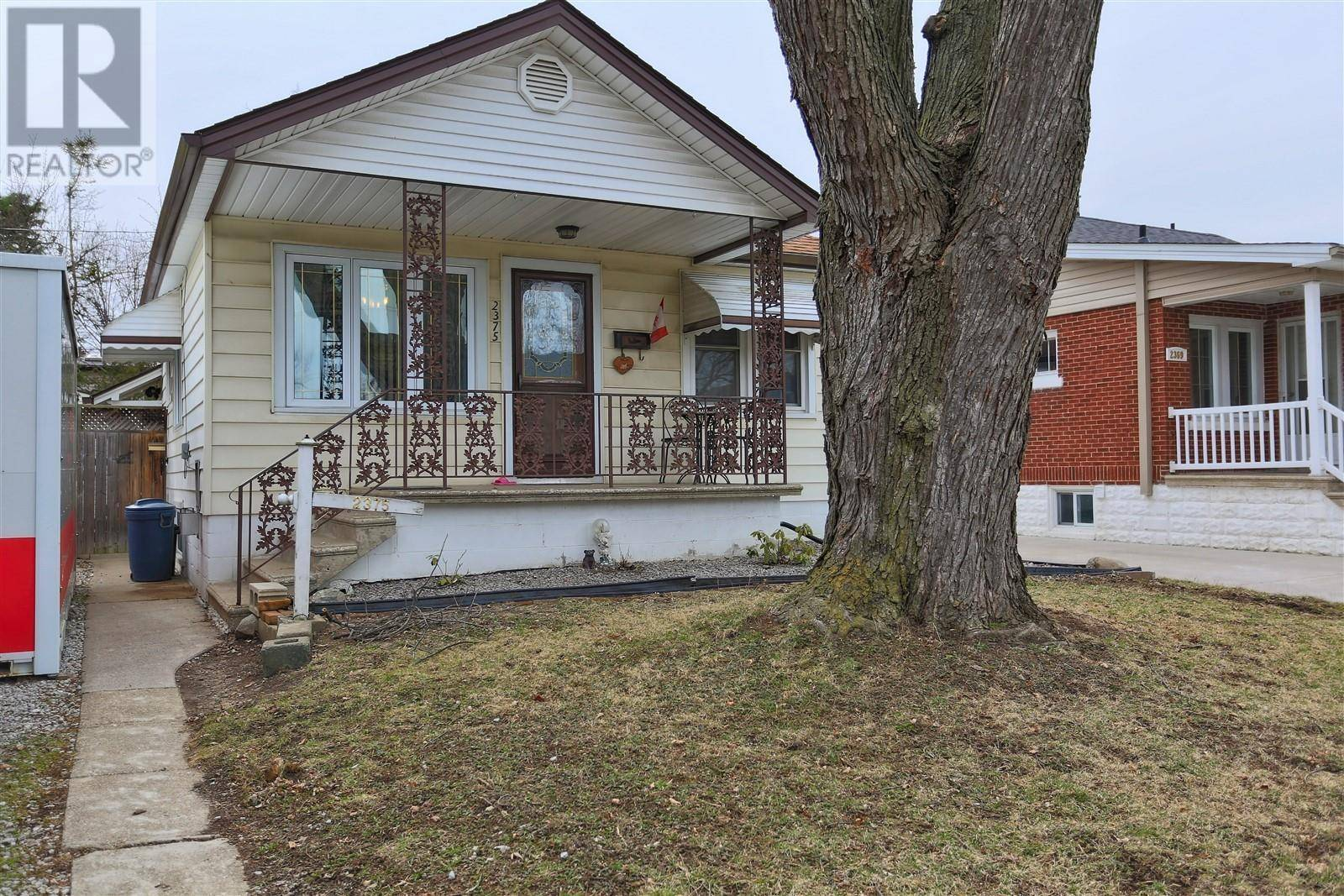 House for sale at 2375 Francois  Windsor Ontario - MLS: 20003587