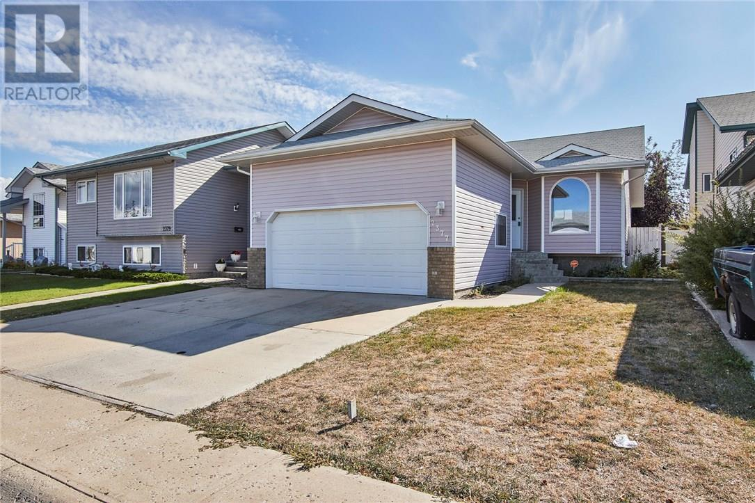 Removed: 2377 Hatcher Drive Northeast, Medicine Hat, AB - Removed on 2018-10-09 10:48:19