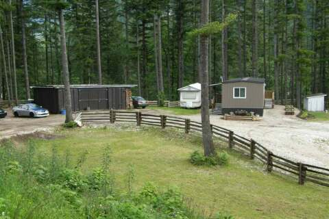 House for sale at 23775 American Creek Rd Hope British Columbia - MLS: R2460070