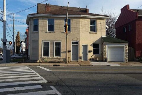Townhouse for rent at 238 Bay St Hamilton Ontario - MLS: X4992269