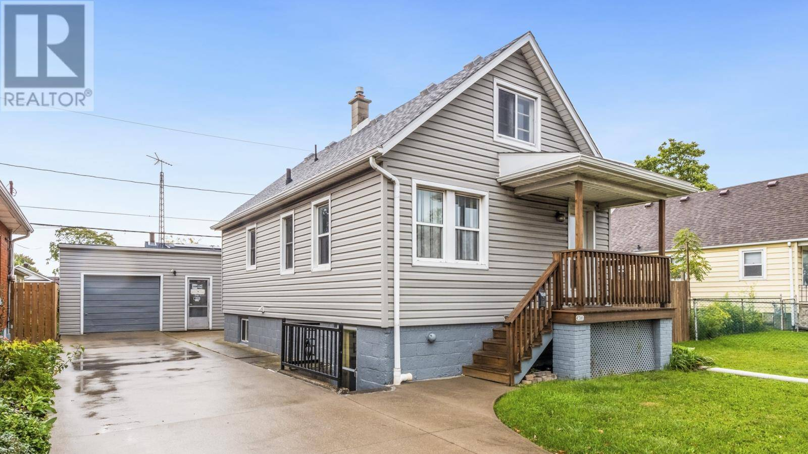 House for sale at 2386 Howard  Windsor Ontario - MLS: 19027171