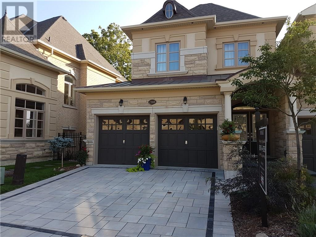 House for sale at 2388 Chateau Common Oakville Ontario - MLS: W4321442