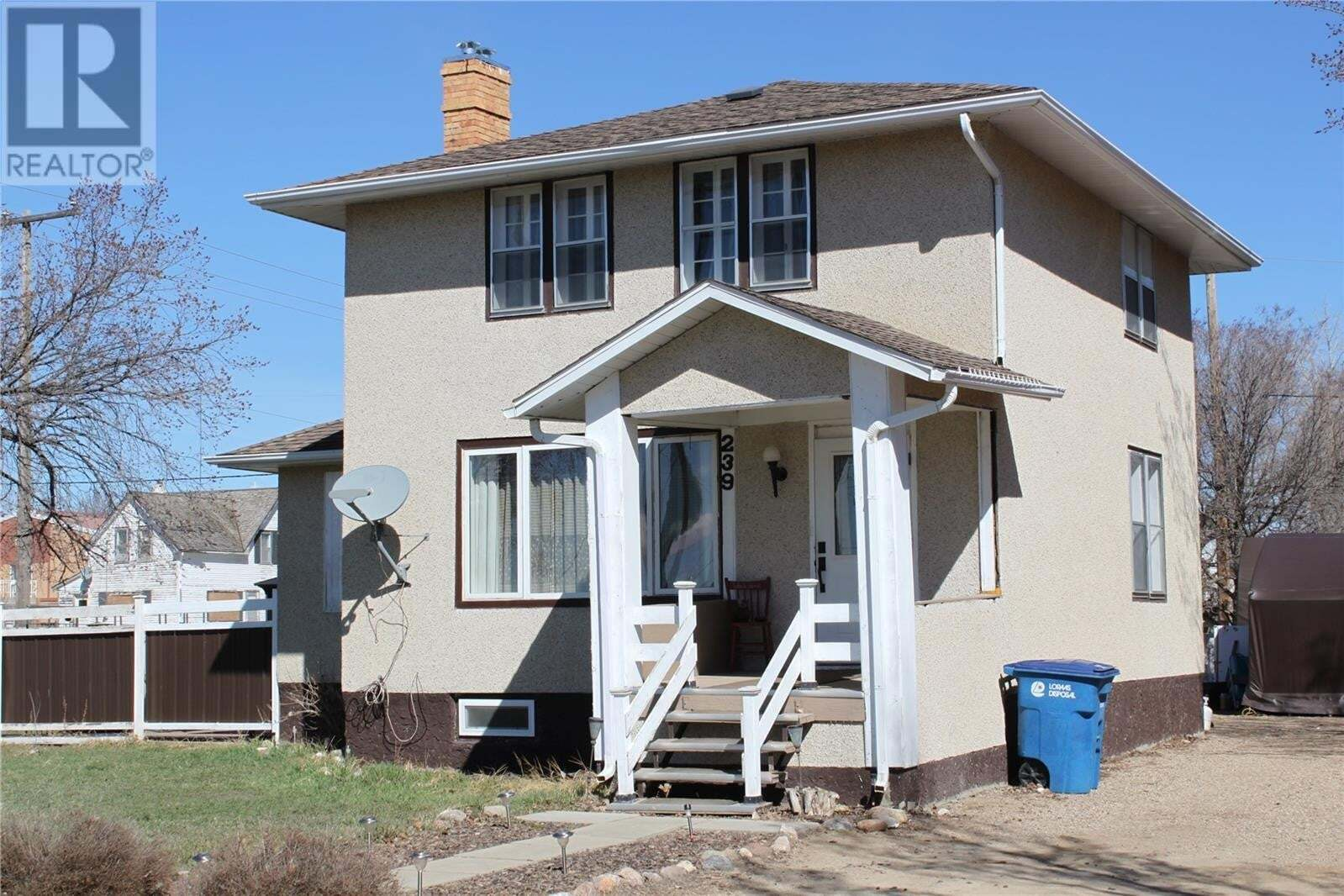 House for sale at 239 1st Ave W Gravelbourg Saskatchewan - MLS: SK819431