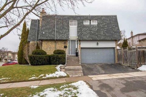 Townhouse for sale at 239 Pineway Blvd Toronto Ontario - MLS: C5085600