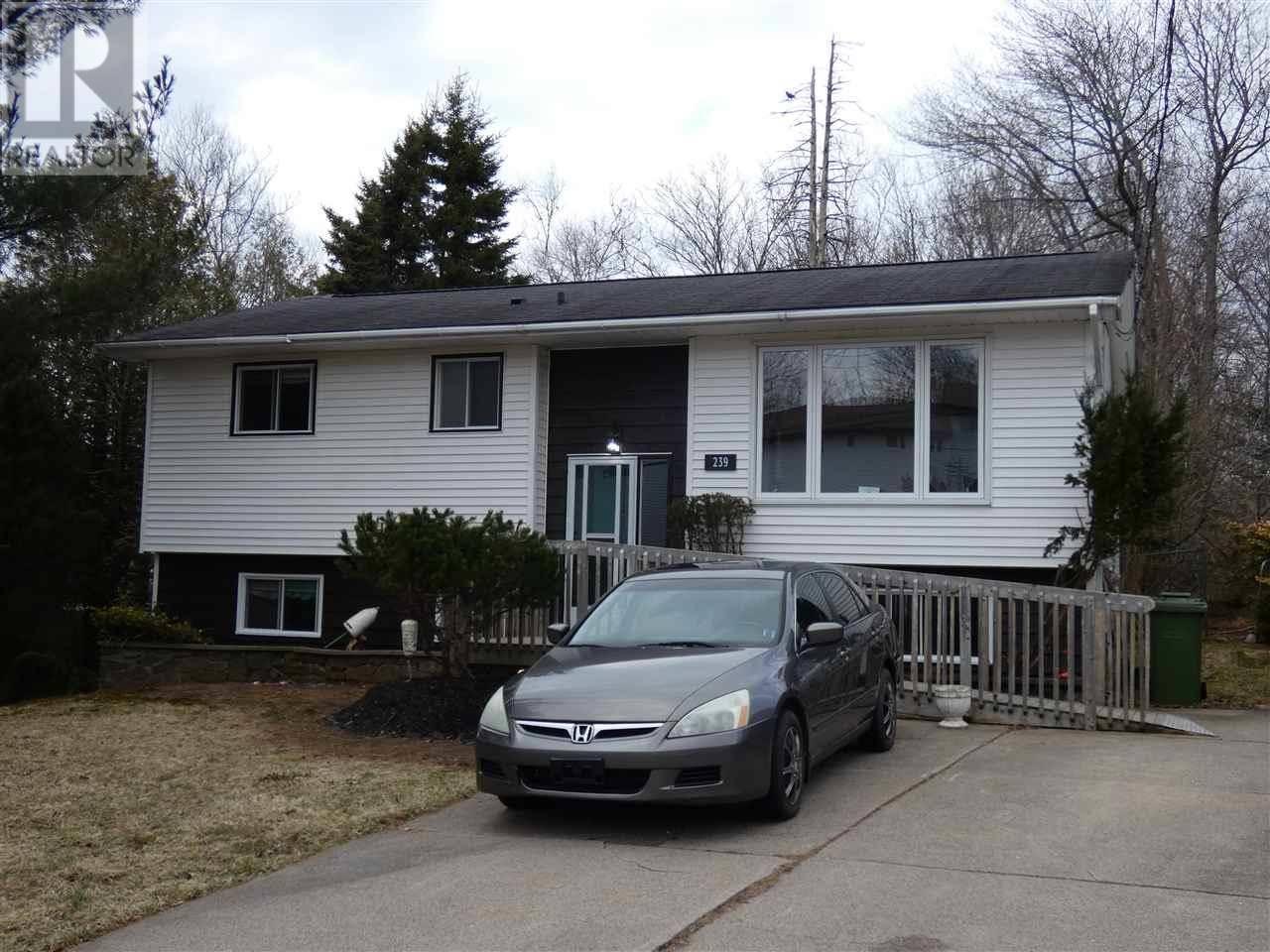 House for sale at 239 Taranaki Dr Dartmouth Nova Scotia - MLS: 202004140