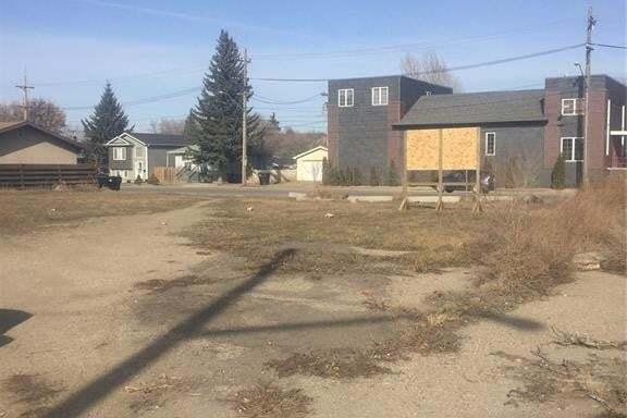 Home for sale at 239 W Ave S Saskatoon Saskatchewan - MLS: SK816961