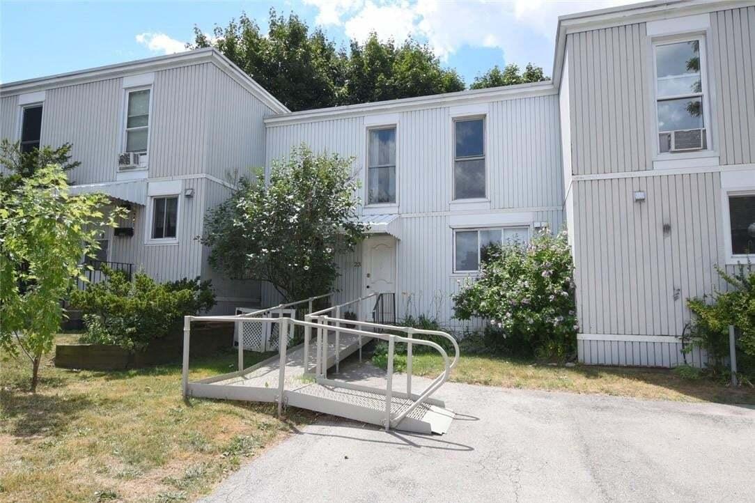 Townhouse for sale at 25 Britten Cs Unit 23A Hamilton Ontario - MLS: H4083890