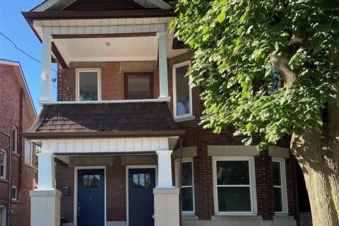 Townhouse for rent at 23 Bartonville Ave Toronto Ontario - MLS: W4855900
