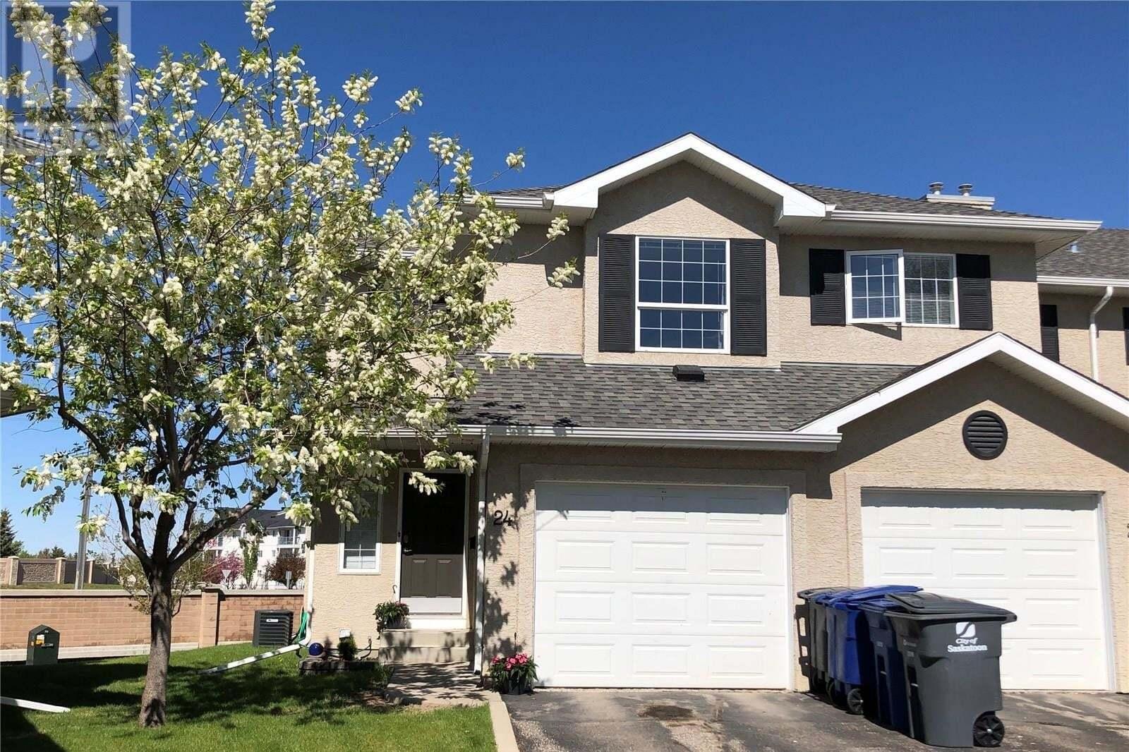 Townhouse for sale at 103 Banyan Cres Unit 24 Saskatoon Saskatchewan - MLS: SK809596