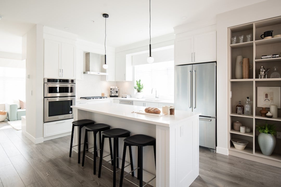 Buliding: 20327 72b Avenue, Langley, BC