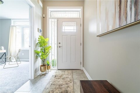 Townhouse for sale at 45 Dorchester Blvd Unit 24 St. Catharines Ontario - MLS: 40036307