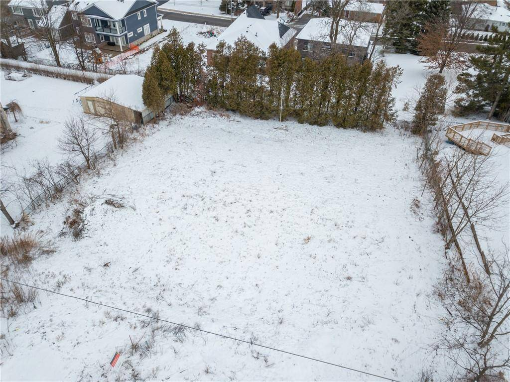 Residential property for sale at 24 Berry Hill Ave Waterdown Ontario - MLS: H4070039