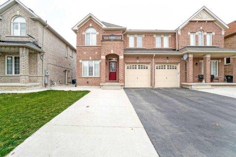 Townhouse for sale at 24 Country Ridge Ct Brampton Ontario - MLS: W4970096