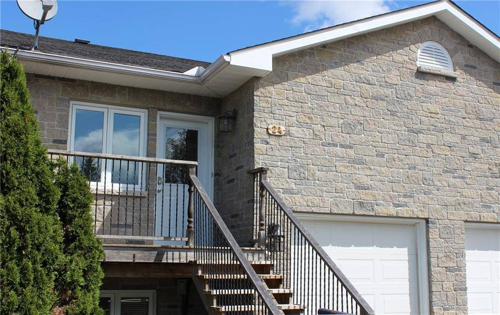 Townhouse for sale at 24 Farm St Almonte Ontario - MLS: 1166590