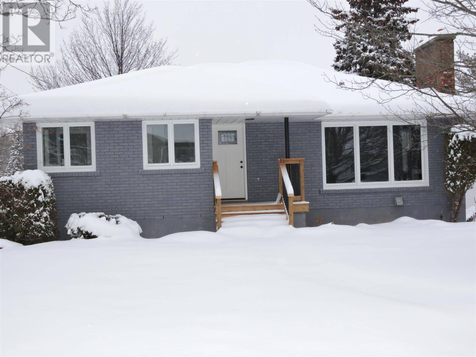 House for sale at 24 Findlay Dr Sault Ste. Marie Ontario - MLS: SM127604