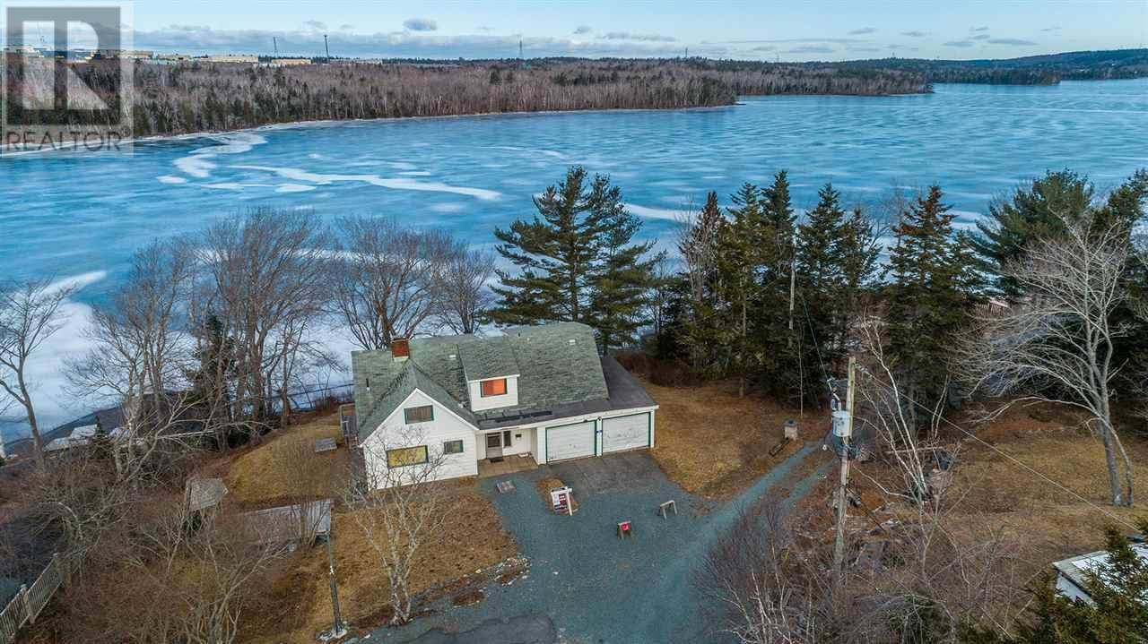 House for sale at 24 Gleave Wk Dartmouth Nova Scotia - MLS: 202004681
