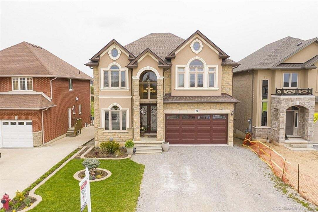House for sale at 24 Hampshire Pl Stoney Creek Ontario - MLS: H4077780