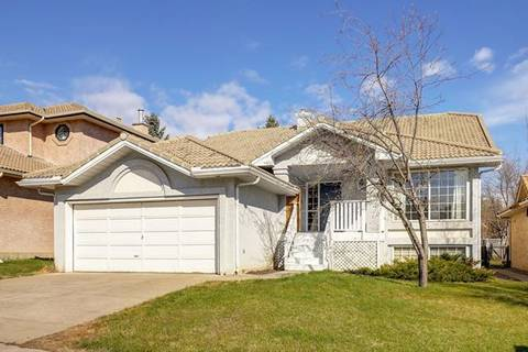 House for sale at 24 Signature Wy Southwest Calgary Alberta - MLS: C4295347