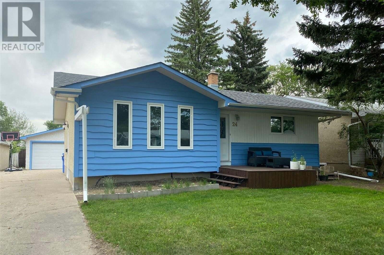 House for sale at 24 Upland Dr Regina Saskatchewan - MLS: SK819184