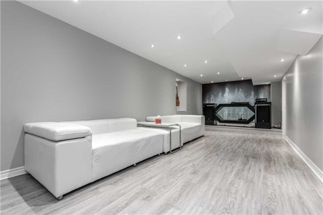 For Sale: 240 Dufferin Hill Drive, Vaughan, ON | 4 Bed, 4 Bath House for $1,299,000. See 20 photos!