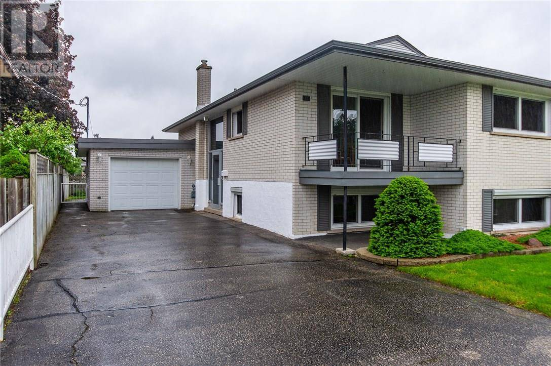 Townhouse for sale at 240 Ninth Ave Kitchener Ontario - MLS: 30754538