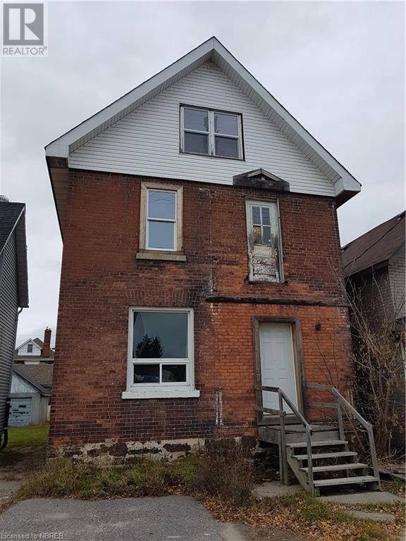 Townhouse for sale at 240 Worthington St East North Bay Ontario - MLS: 240463